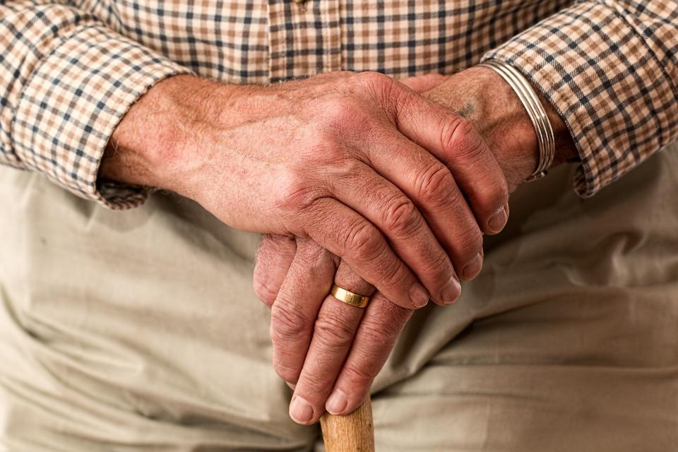 Amministrazione di sostegno: tutelare le persone anziane