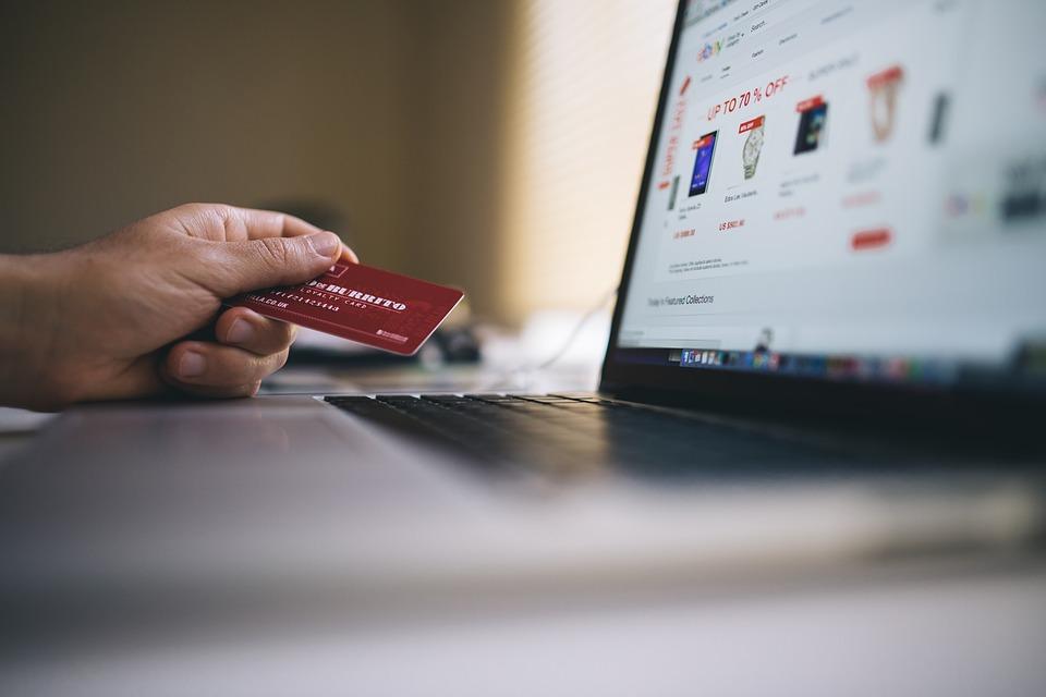 Conti correnti on line: la banca deve risarcire le operazioni non autorizzate dal correntista