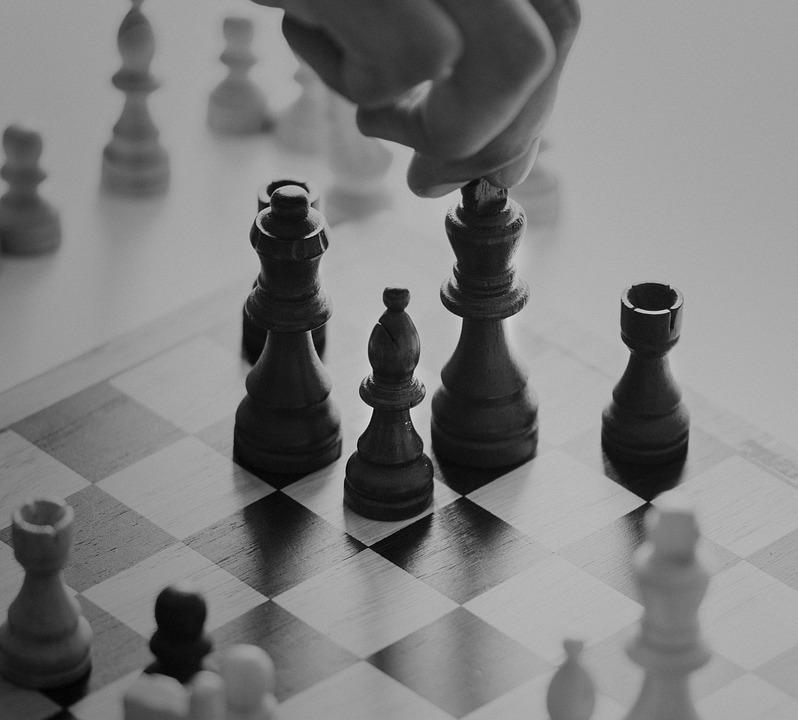 Assegno divorzile: la decisione spetta alle sezioni unite