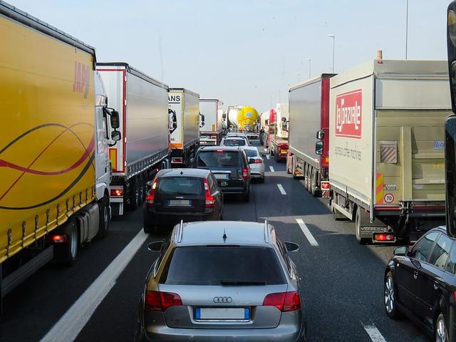 Relazione d'incidente stradale, multa, concorso di colpa