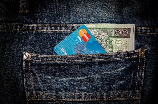 Donazione della metà del saldo del conto corrente con la cointestazione del conto corrente