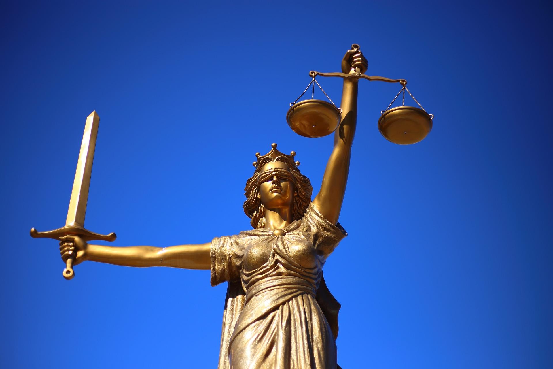Assegni trasferibili: si applica la legge più favorevole al cittadino